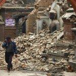 В Непале произошло еще одно мощное землетрясение – магнитудой 6,8. http://t.co/gb5cPqUQva http://t.co/sHzP1tzGTH