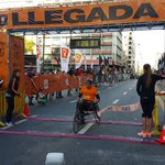 Primer ganador de la #boostmontevideo #MaratonMontevideo en silla de ruedas. Un mérito! http://t.co/aAwSNzmnis