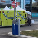 Our first patient has arrived at @siteGlen. Historic moment for healthcare in Quebec! #MUHC2015 http://t.co/oAvQVzOZmc