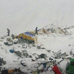 The base camp at Mount Everest after an avalanche on Saturday http://t.co/Y1iBae9IRn http://t.co/E4Kf1wXX9U