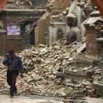 El #terremoto de #Nepal deja ya más de 2.000 muertos: http://t.co/bbwD4uyPbZ http://t.co/1i9FSVgL13