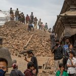 Major aftershock hits Nepal day after devastating earthquake. http://t.co/9NlfVRf5NI http://t.co/3wF4kPyJT6