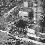 29 лет назад произошла самая ужасная технологическая катастрофа 20 века — взрыв на 4 блоке Чернобыльской АЭС. http://t.co/YOzbTmj7Z5