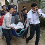 Frantic search for Nepal quake survivors as toll tops 2,000 http://t.co/BpAQQwLyBJ http://t.co/f1CIPjcNqX