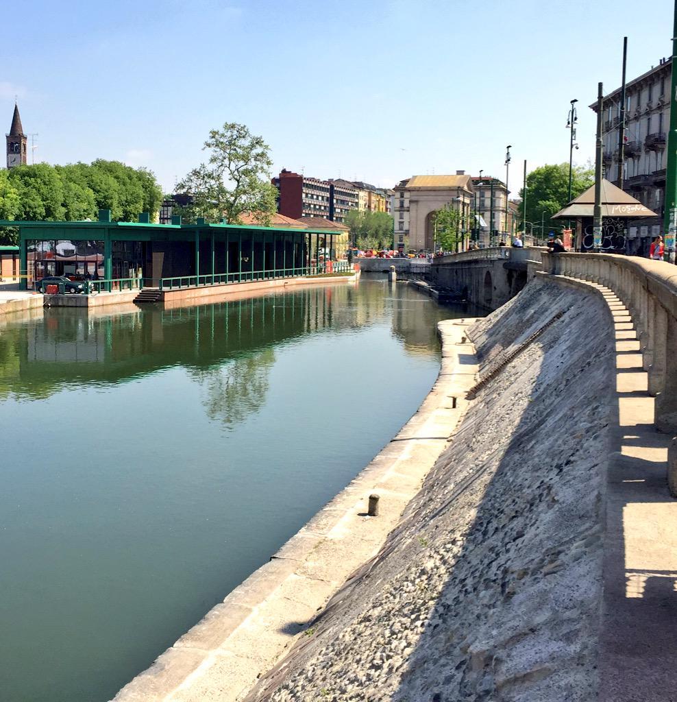 Riapre il porto di Milano. Emozionante incontrare l'anima antica di questa città dopo anni che ci conosciamo #Darsena http://t.co/5W4zGjrUGf