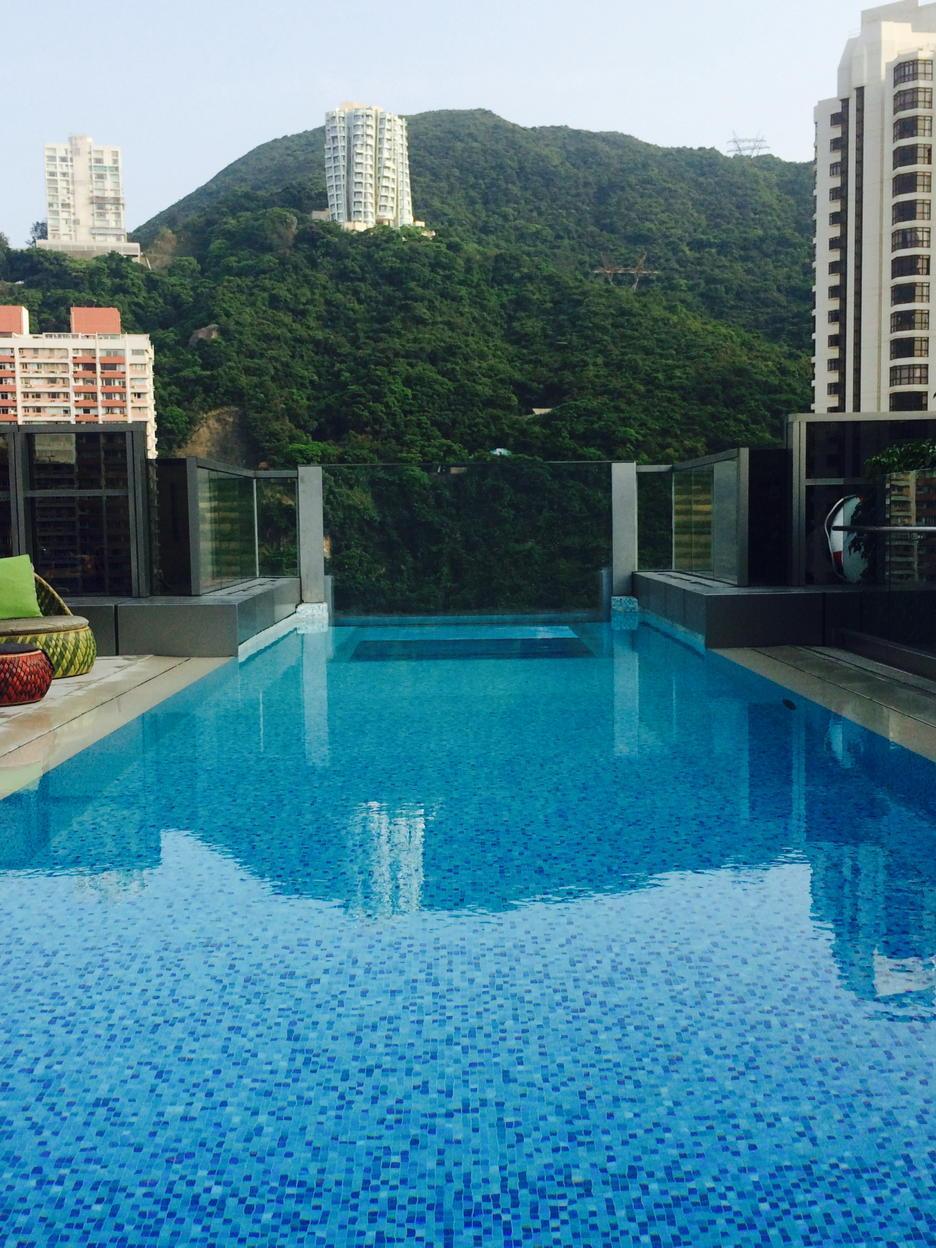 En zo benut men de waarde van daken in Hong Kong, mooi voorbeeld om te volgen... #dakpotentieel/#dakterrassen http://t.co/GfNIQ3kcNh