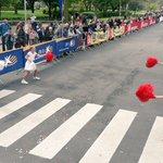 En ze zijn vertrokken! Prachtige sfeer! #chiquitakidsrun #antwerp10miles http://t.co/UEXGo6MTIR
