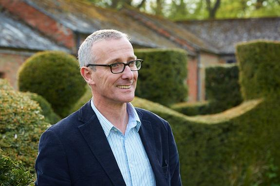 Don't start your #gardenmakeover before reading @JamesASinclair's wise words @jesssilverball http://t.co/T8jNiMrcSQ http://t.co/WgvNxpq2Dn