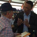 Antes de visitar #SanJuan, @DaniloMedina llevó soluciones a agricultores de #ElCercado. Detalles más adelante. http://t.co/07aLiAnKwg