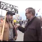 """Хлопец з плякатам """"А можа так і трэба"""": Я хацеў выйсьці зь віламі, але не падабаецца асацыяцыя зь Ляшко"""" #26krasavika http://t.co/JUDrl1Dcbk"""