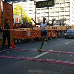 2:21 tiempo del ganador de la #MaratonMontevideo #boostmontevideo #adidas. http://t.co/9AqohJg587