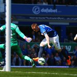 PHOTO James McCarthy puts Everton ahead early on against Man Utd. Its still 1-0 (14 mins) #EVEMUN http://t.co/EaDqnaCetS