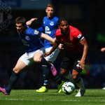 PIC: Reds right-back Antonio Valencia is having a key battle with Everton left-back Leighton Baines. #mufclive http://t.co/cH9JaLppb9