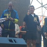 Ganadores de la #MaratonMontevideo reciben premios de la Intendente de Montevideo y del Country Manager de @adidasUY http://t.co/uaPntCEV2T