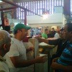 @sergiopadronm Conversando con los expededores de conchino en el mercado de #Plc todos a votar por @MarcosFigueroa AD http://t.co/F4HWIEX0AJ