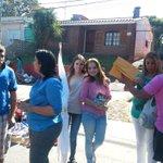 Con @pabloguelmo05 seguimos recorriendo la feria del Cerrito @maneirocamila @cande2santos http://t.co/UYLpneQmSP