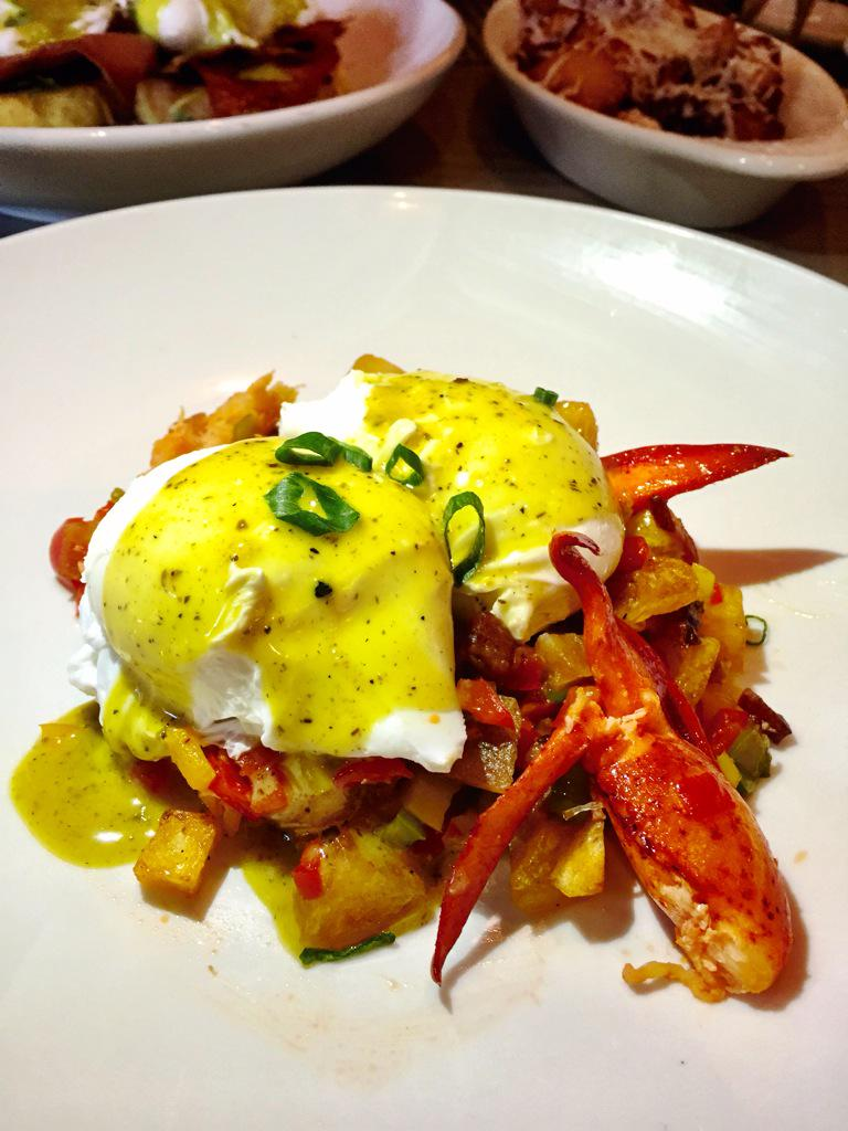Lobster hash w/poached eggs. New Boozy Brunch at Siena Tavern in #southbeach #miami #brunch @SienaMiami http://t.co/Z6rGd4glqB