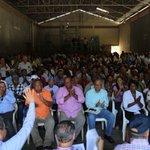 AHORA: Arroceros del Núcleo de Pequeños y Medianos Productores de la Reforma Agraria conversan con @DaniloMedina. http://t.co/RHCZhVTcdh