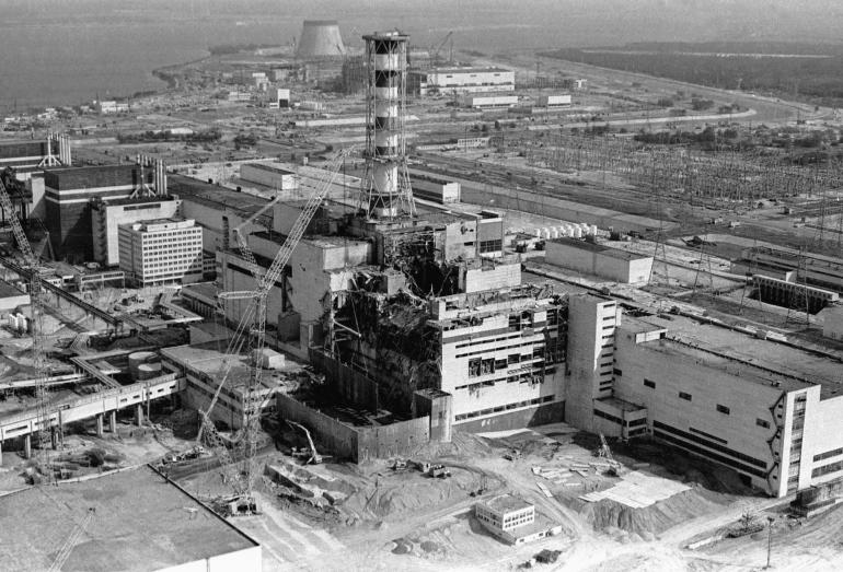 #OnThisDay in '86 explosion at Chernobyl Atomic Power Station causes worst nuclear accident to-date. #coldwarhist http://t.co/QPkGFzkoDx
