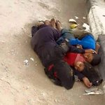 MOTHER & her two children sleep on Aden streets after Houthis destroyed their home. #Yemen #اليمن http://t.co/R0ZOCVrq0t