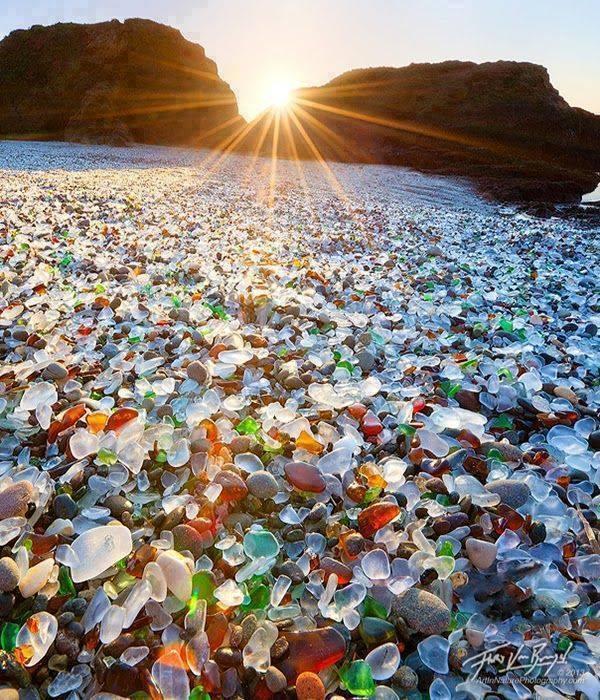 Glass Beach, Fort Bragg, California http://t.co/9qn4pV3WTI