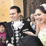 .@EPN y su esposa iban a apadrinar a Velasco y Anahí pero cambio de fecha no lo permitió http://t.co/UhdVuVFG4I http://t.co/6CDtVsiKnI