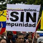 Habitantes en Cali realizaron un homenaje a soldados asesinados en Cauca. http://t.co/VC1FLqF8g5 http://t.co/JTCbSzNW7P