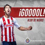 62 ¡Gooooooooooooool de @DeNigris9! Recorta en el área y dispara para vencer a Moisés Muñóz. Chivas 1-1 América. http://t.co/Oyi3CckQ7s