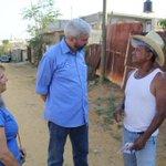 Esta tarde continuamos nuestro recorrido en Xoxocotlán, visitando a vecinos de la colonia Francisco Villa. #Oaxaca http://t.co/XTTP6si80G