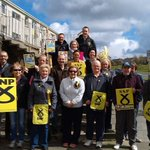 Our #activeSNP team on the steps before canvassing for @lisacameronsnp. Not quite as good as @NicolaSturgeon! #GE15 http://t.co/oU5ZpWnfc1