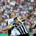 Vasco derrota o Botafogo com gol aos 46 minutos e inverte vantagem na decisão do Carioca. http://t.co/5m43xN8CIM http://t.co/vyFqlHMvD8