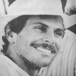 #ParaNoOlvidar → 26-04-90 Carlos Pizarro, candidato a la presidencia por la Alianza Democrática M-19, fue asesinado. http://t.co/z3LXHAHINB