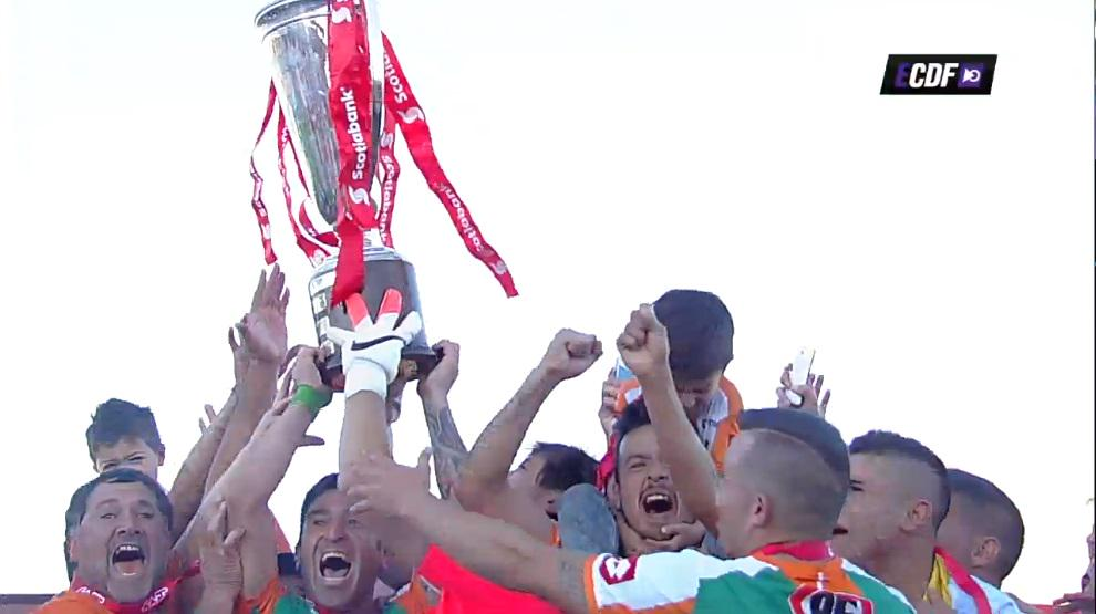 Felicitamos a @ClubDepCobresal CAMPEÓN Torneo Clausura 2014-15. http://t.co/f7kyFNuuz1