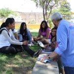 Escuchamos a los jóvenes, quienes con ideas innovadoras quieren que #Oaxaca progrese y junt@s lo vamos a lograr http://t.co/XUf2yjS79R