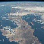 Vía @MisterioDescono: Península de Baja California y el mar de Cortés desde la ISS. 19 de marzo de 2015 Crédito: NASA http://t.co/CiLGaHSyA2