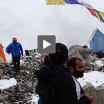 "(VIDEO) ""La tierra tiembla"". Un montañista filmó avalancha en el Everest. http://t.co/pZmvuo801G #Nepal http://t.co/CIYMrAukuJ"
