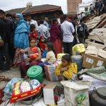 Casi 1 millón de niños en #Nepal necesitan ayuda urgente tras sismos. >> http://t.co/zCS2GxMAXQ http://t.co/dUGgfNMX6N