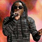 Ônibus do rapper Lil Wayne é atingido por tiros nos EUA. http://t.co/7eVMw3ANih http://t.co/8e77PL0qkB