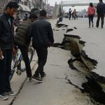 FOTOGALERÍA   Devastador terremoto de Nepal deja más de 2.500 personas muertas. http://t.co/yotWTV4EI7 http://t.co/NT8iGJogoZ