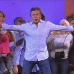Lo que estábamos esperando: el inexplicable baile de Macri http://t.co/pOi7MQhgni http://t.co/uXQsfWIYeD