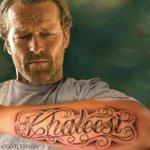Jorah keeps showing off his tattoo... #GameofThrones http://t.co/RNOeaam4NP