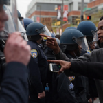 After peaceful start, protest of Freddie Gray's death in Baltimore turns violent http://t.co/IkZkipKuy7 http://t.co/PQnHTfHt3K