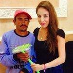 Regidora regala un limpiaparabrisas a joven desempleado y lo presume en Facebook http://t.co/fpdMrVq0A1 http://t.co/eCKIDg3ijA