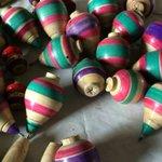 Juguetes tradicionales como el trompo, relegados por la tecnología: artesano http://t.co/Fo9dIlL7jU http://t.co/HlEVy4T4Sz