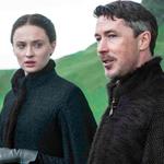 @akitaguyia GameofThrones showrunners explain why they changed Sansas storyline: http://t.co/bpOzLSAqUt http://t.co/octlZlsd7k