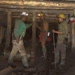 """Secretaría de Economía apoya, hasta con guía, el """"despojo"""" en zonas mineras: ONGs http://t.co/8pVBWO3pZu http://t.co/WpmmqOoQm2"""
