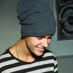 Esa sonrisa hace derretir hasta a las Directioners???? #BestFandomCA2015 Beliebers http://t.co/NmC9njswvD