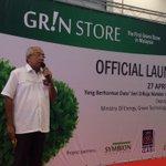 Timb. Ment. KeTTHA, Datuk Seri Mahdzir Khalid lancarkan GR!N Store, pasaraya hijau pertama di Malaysia. @501Awani http://t.co/hewfcWMWey