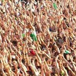 RAISE YOUR HAND IF YOURE NOT FROM UK AND CANT GO TO SUMMER BALL #BestFandomCA2015 Directioners http://t.co/lcIH8Y1k31