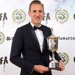 Tottenham striker Harry Kane crowned Young Player of the Year http://t.co/kAGbkwQgc0 http://t.co/ogIUOrS60E